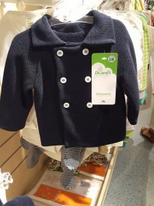 Kleidung für Babys Erstausstattung